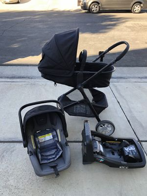 Baby stroller with car seat attached to it for Sale in Temecula, CA