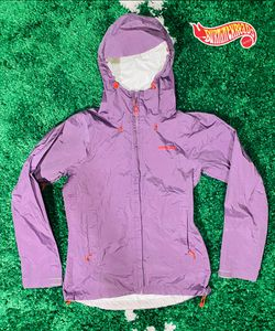 PATAGONIA Womens H2NO lightweight rain Jacket Hood Purple Lavender Small Rare for Sale in West Haven,  CT