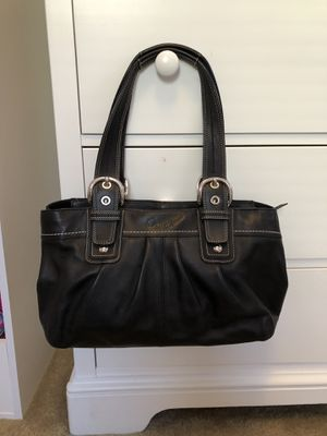 Authentic coach black leather shoulder bag for Sale in Rutherford, NJ