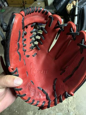 Rawlings Baseball Glove for Sale in Charleroi, PA