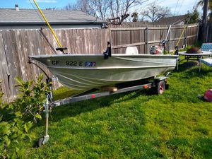 1971 Valco U12 Aluminum fishing boat for Sale in Citrus Heights, CA