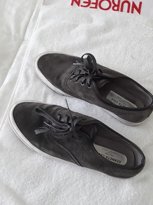 Kenneth cole size 10.5 suede shoes almost new for Sale in Renton, WA