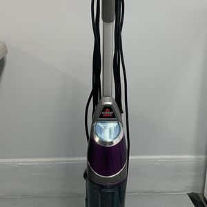 Bisslle Pet Vacuum And Steam Floor Cleaner for Sale in Wheat Ridge, CO