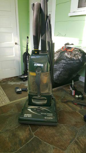 Eureka whirlwind 12 amps vacuum for Sale in Wichita, KS