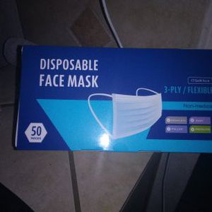 Face Mask😷😷😷 1 Box For $6 / 2 Boxes X$ 10 /5boxesX20 for Sale in Victorville, CA