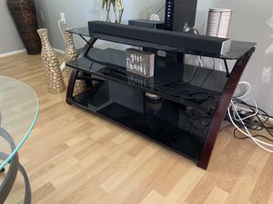 Tv table stand for $100 (Pick up only) for Sale in Upper Marlboro, MD