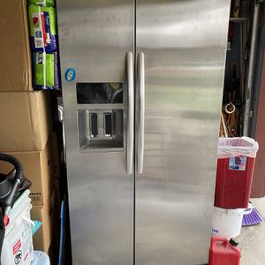 Kitchen Aid Refrigerator for Sale in Westley, CA