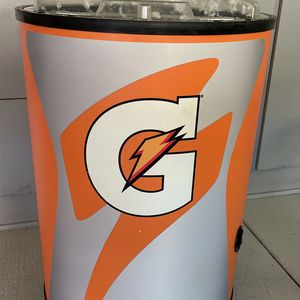 Gatorade Ice Barrel Beverage Cooler with Wheels for Sale in Cypress, CA