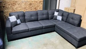 Sectional Couch with ottoman, black grey, New for Sale in San Leandro, CA