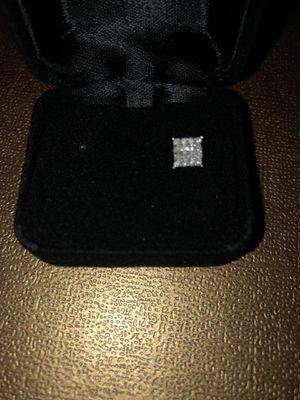 White diamond men's earring for Sale in Nashville, TN