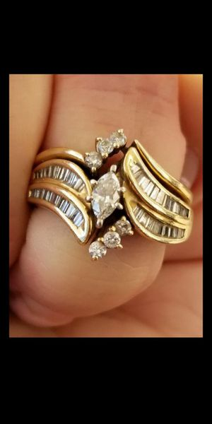 14K wedding ring with 1Ct Real Diamond marquise cut for Sale in Miami, FL