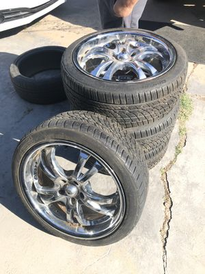 American Racing Rims 18 in for Sale in Grand Prairie, TX