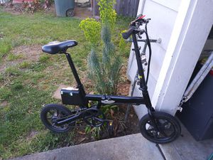 Fold up pedal assist electric bike for Sale in Vallejo, CA