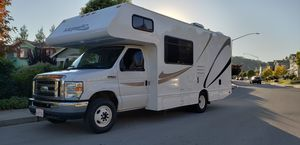 2015 Thor 23 foot runs great like new must see brand new generator 149k miles for Sale in Novato, CA