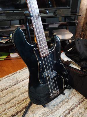 Kramer Focus 420s bass guitar w/ HSC for Sale in Glen Raven, NC