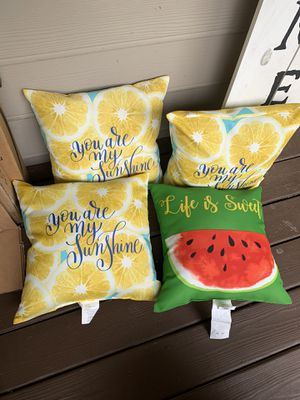 Out door pillows for Sale in Kennesaw, GA