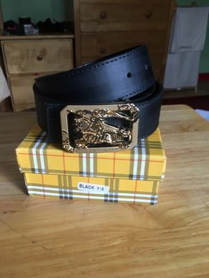 Burberry belt for Sale in South San Francisco, CA
