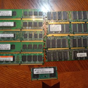 "Lot Of 9 Sticks Of Ram. ""Vintage"", Desktop. Any Use? for Sale in West Palm Beach, FL"