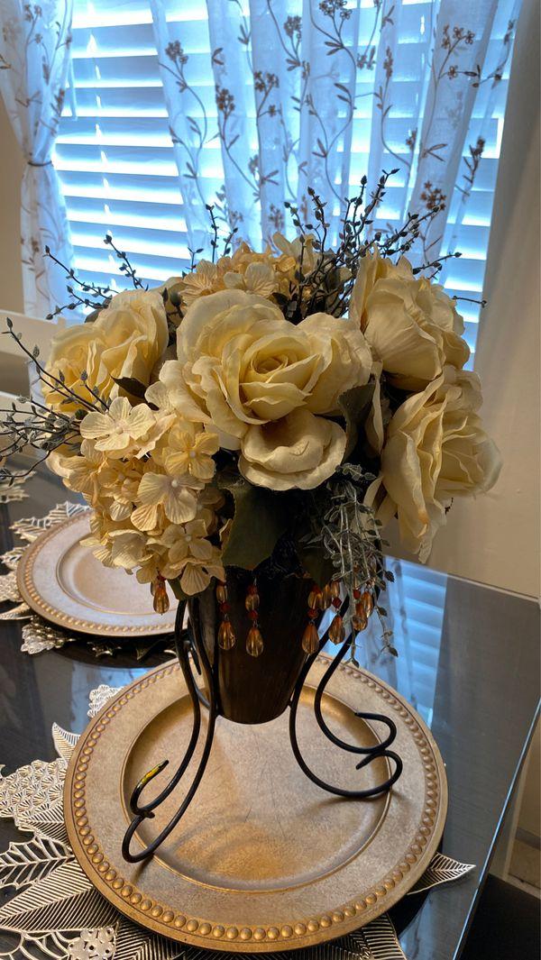Fake flower vase