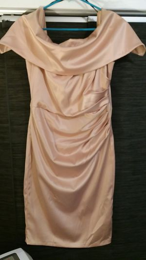 (PENDING PICK UP) FREE Vince Camuto peach color size 12 formal short dress for Sale in Los Angeles, CA
