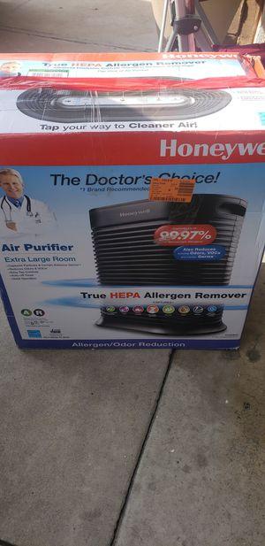 Honeywell true hepa air purifier ha300bhd for Sale in Fontana, CA