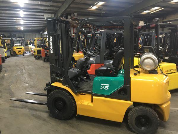 Komatsu 5000lb Pneumatic Forklift 3 Stage Mast New Tires Fresh Paint