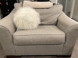 Like New Oversized Living Room Chair for Sale in Houston,  TX