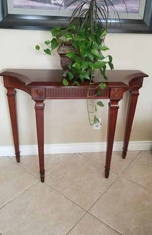 BOMBAY CO. Console/ Entry Way/Sofa/ Side Table with drawer in very condition! for Sale in Rancho Cucamonga, CA