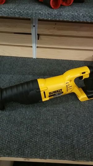 DEWALT 20V. MAX VARIABLE SPEED RECIPROCATING SAW for Sale in Phoenix, AZ