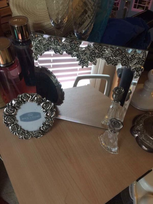 GUC Royal Galleries 3 pc Vanity Set- $15 Walgreens Oakland Canada Wolfchase Kirby whitten and stage-once a week -cp
