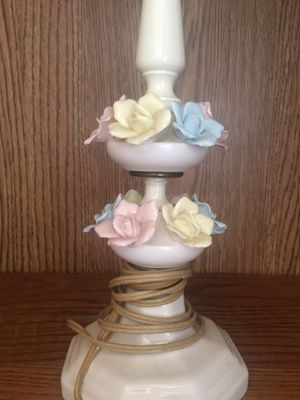 Porcelain Shabby Chic Lamp for Sale in Oakley, CA