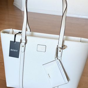 Authentic DKNY White Tote, Brand New with Tags, MSRP $178, DKNY purse, bag for Sale in Surprise, AZ