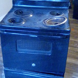 Fridgaire Stove for Sale in Lugoff, SC