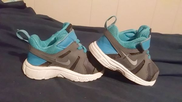 Nikes (toddler shoes)
