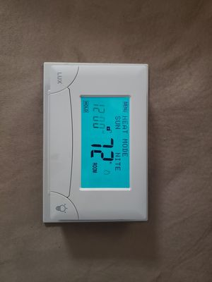 Lux 7 Day Programmable Touch Screen Thermostat, TX9000TS for Sale in Chicago, IL