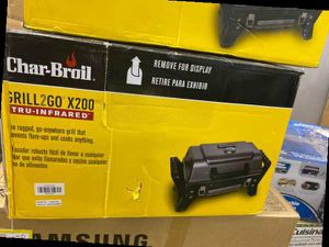 Char Broil portable grill 😊😊😊😊 6ZFH9 for Sale in Los Angeles, CA