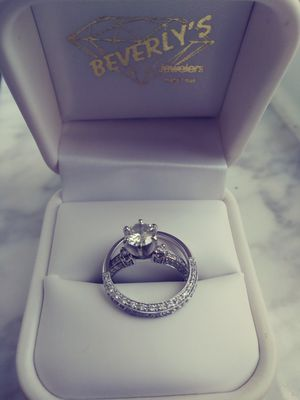 Diamond engagement ring and wedding band for Sale in Boca Raton, FL