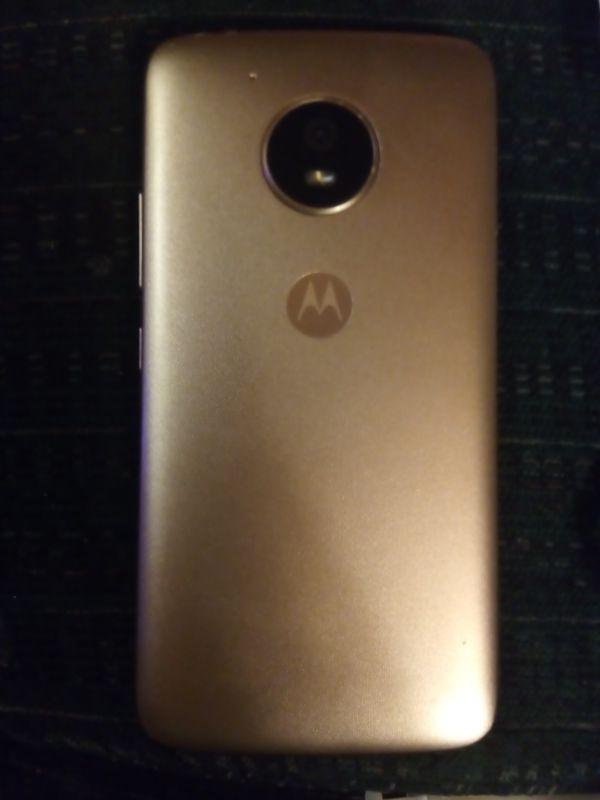 Moto E4 unlocked smart phone