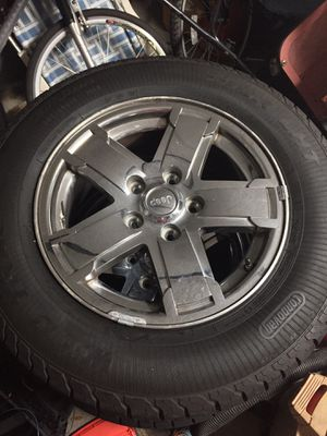 17' Jeep rims and tires for Sale in Palmetto, FL