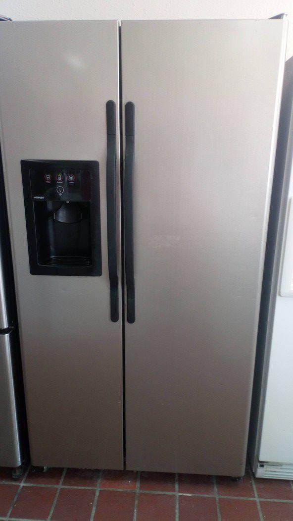 Refrigerador $$$ 300 con 90 días de garantía en 1121 basse rd san antonio texas 78212 open 9 am a 9 pm de Lunes a domingo