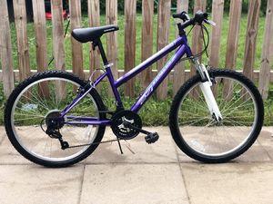 24 inch mountain bike, like new for Sale in Riverdale, MD
