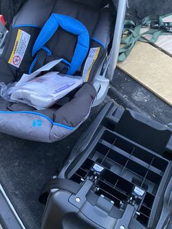 Baby Trend Ez Flex -loc Plus Infant Car seat Brand New Excellent Condition Never Used for Sale in Las Vegas,  NV