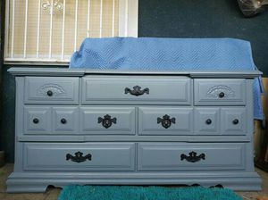 """7 Drawer Dresser/Tv stand /Entry way /Light-Gray.Good Condition👍Tall 32"""" Wide 66"""" Deep 19"""" for Sale in Colton, CA"""