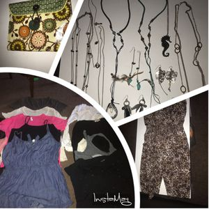 All 40: Women Clothes XL size, jewels and purse for Sale in Las Vegas, NV