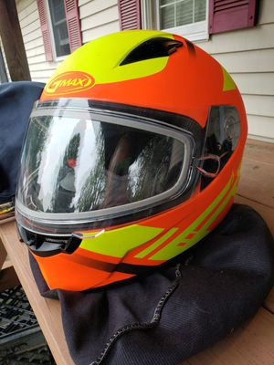 GMAX snowmobile helmet for Sale in Saugus, MA