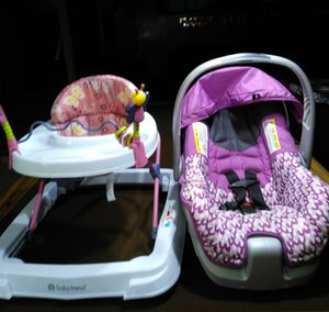 Baby car seat and stroller for Sale in St. Louis, MO
