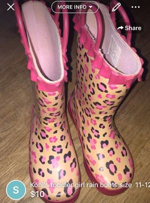 Kohl's rain boots girl size 11-12 for Sale in Lakewood Township, NJ