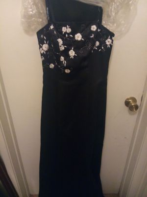 Long formal dress size 2 for Sale in Chino, CA