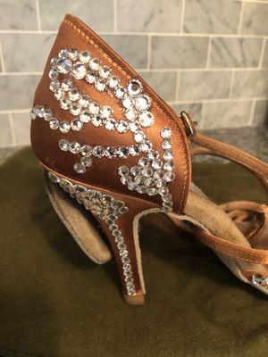 Aida brand Karina Style 3 1/2 heels. W preciosa stones for Sale in North Bergen, NJ