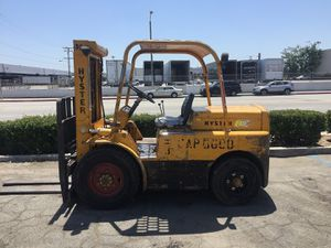 Hyster 6000 lbs pneumatic tires 2 stage side shift propane engine forklift for Sale in Montebello, CA